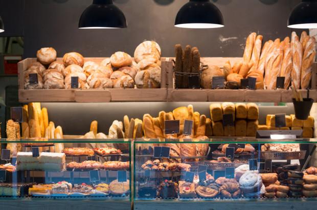 Piekarnie oferują ogromny wybór pieczywa. Przed wybraniem się na zakupy warto przemyśleć, ile i jakiego pieczywa potrzebujemy na świąteczny czas.
