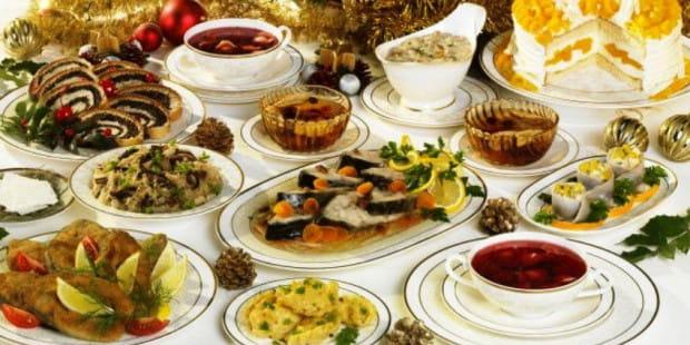Tradycyjna kolacja wigilijna w wielu domach składa się z 12 dań. Zapewne wiele z nich zostanie w naszych lodówkach.