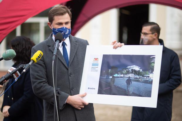 W przypadku planów dla nadmorskiej części Gdańska zwołano aż trzy konferencje prasowe. Dwie zorganizowały władze Gdańska (nz. Piotr Grzelak, z-ca prezydent Gdańska ds. zrównoważonego rozwoju)...