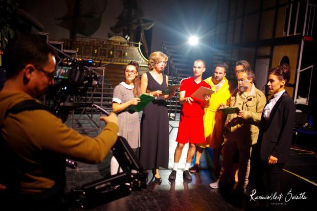 Jak co roku w Teatrze Muzycznym trwają gorące prace nad koncertem sylwestrowym. Tym razem odbędzie się on w wyjątkowej formule, przygotowanej specjalnie na potrzeby emisji online.