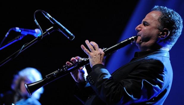 David Krakauer dał się poznać jako wirtuoz klarnetu i niekwestionowany lider Klezmer Madness.