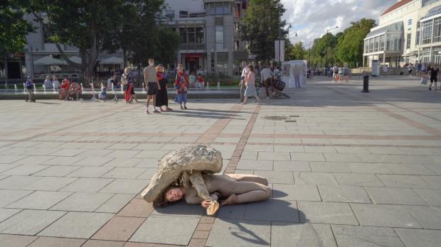Zdjęcia do filmu kręcono w różnych częściach Sopotu. Tak, by rejestrować także reakcje publiczności i obserwatorów.