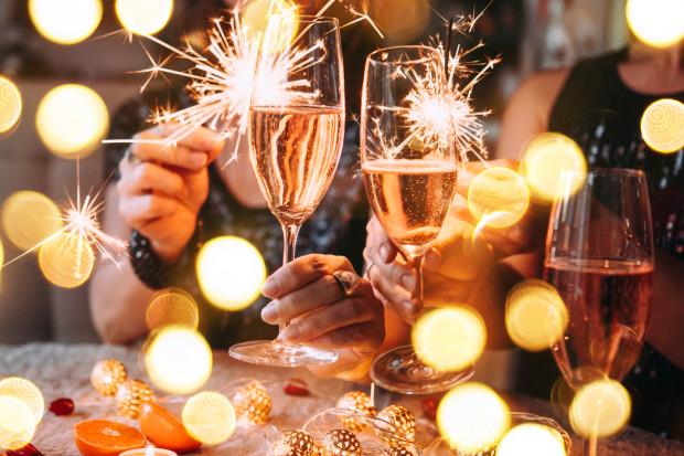 Tegoroczne świętowanie sylwestra będzie się zdecydowanie różniło od tego spędzanego w latach ubiegłych.