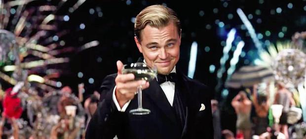 """Jedną z filmowych propozycji na sylwestra w domu jest """"Wielki Gatsby"""" ze świetną rolą Leonardo DiCaprio."""