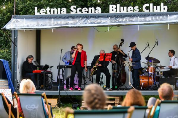 Na Letniej Scenie Blues Clubu w parku Kolibki w Gdyni zagrał m.in. Przemek Dyakowski z zespołem Take It Easy.