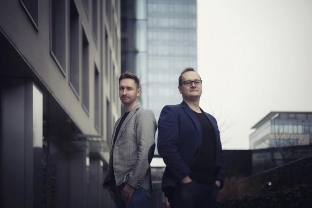 Gdański start-up VRNess Studio stworzył dwie platformy: VRHab oraz JustFitness - wspomagające pracę trenerów fizjoterapeutów i rehabilitantów. Na zdjęciu założyciele firmy - Paweł Jankowski i Maciej Grabek.