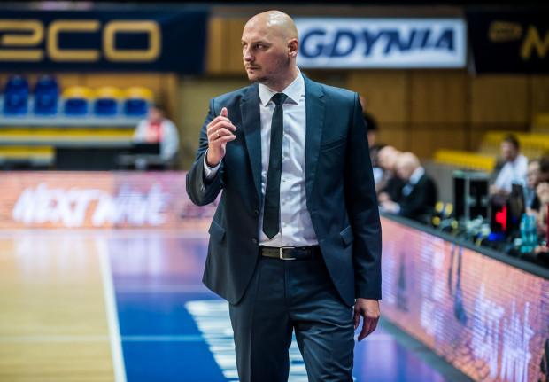 Przemysław Frasunkiewicz prowadził Asseco Arkę Gdynia od 2016 roku. W trakcie poprzednich trzech lat był zawodnikiem żółto-niebieskich, a okresie od 2010 do 2012 roku z Asseco Prokomem zdobył dwa mistrzostwa Polski.