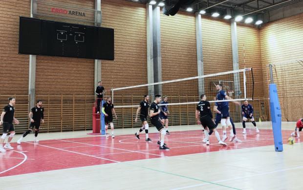Trefl Gdańsk sparował z Visłą Bydgoszcz w hali bocznej Ergo Areny.