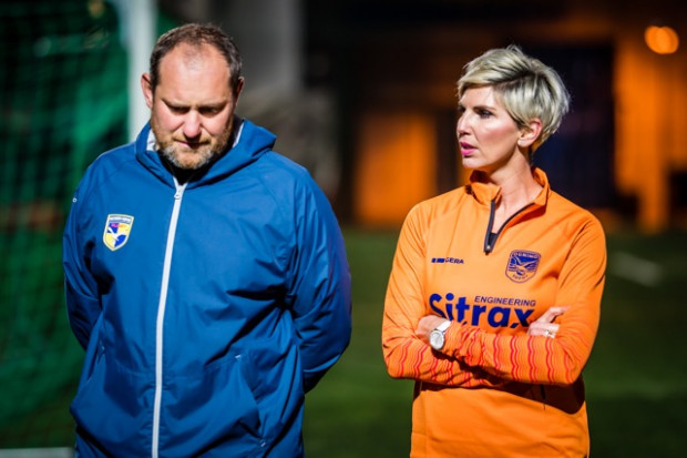 Monika Najda współpracuje z kilkoma trójmiejskimi klubami. Na zdjęciu z Karolem Czyżem, trenerem rugbistów Ogniwa Sopot.