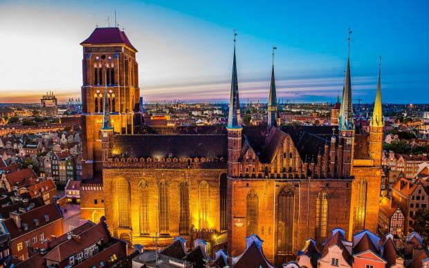 Bazylika Mariacka to największy w Europie kościół wzniesiony z cegły. Jej budowa trwała ok. 150 lat, a dokładnie odbyła się w latach 1346-1502.