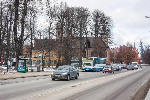 Na ul. 3 Maja miały zostać wytyczone pasy rowerowe. Przedłużyły się jednak uzgodnienia z konserwatorem zabytków i będzie to możliwe dopiero w tym roku.
