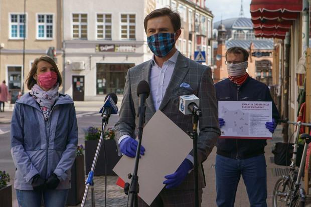 Zmiany ogłoszono na majowej konferencji prasowej. Od lewej: Agata Lewandowska, miejski inżynier ruchu, Piotr Grzelak, wiceprezydent Gdańska oraz Tomasz Wawrzonek, wicedyrektor GZDiZ.