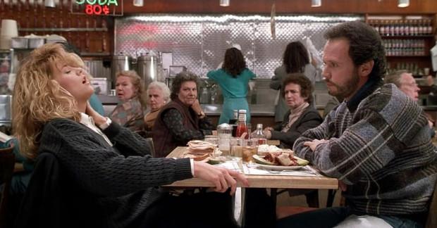 Sally (Meg Ryan) odegrała brawurową scenę przy kanapce z pastrami.