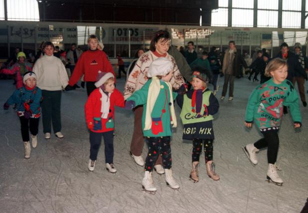 Dzieciaki na lodowisku, Hala Olivia, luty 1997 rok.