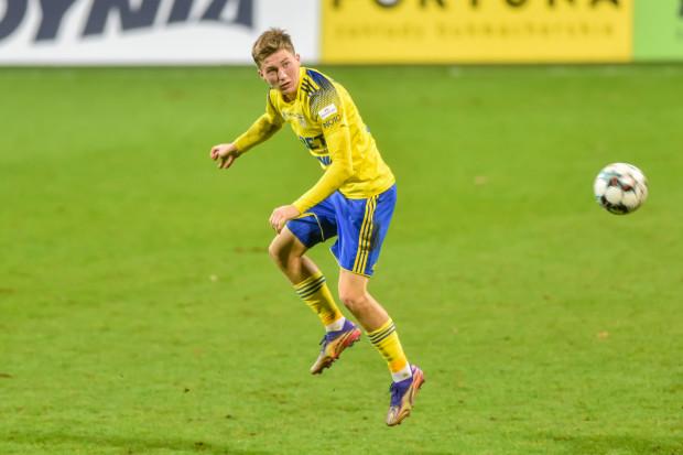 Mateusz Młyński nie jest pierwszym młodym piłkarzem, z którym Arce Gdynia nie udało się przedłużyć kontraktu. W przeszłości tak traciła m.in. Michała Marcjanika i Mateusza Szwocha.