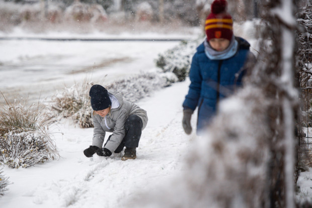 W czasie ferii zimowych dzieci częściej spędzają czas na świeżym powietrzu. Nic dziwnego, jeśli znaczna część Trójmiasta pokryta jest śniegiem.