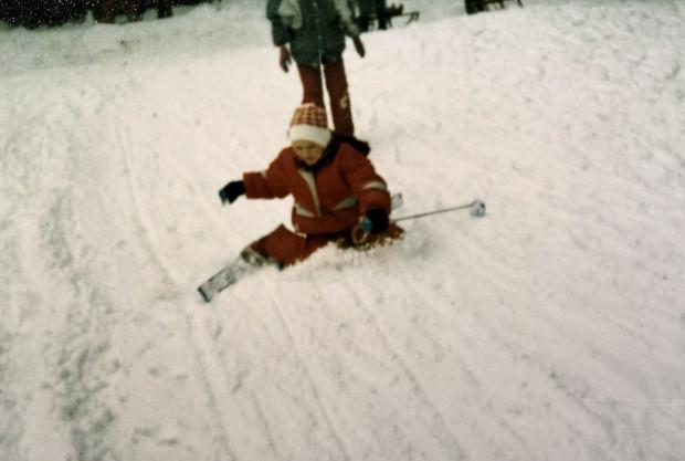 Pierwsze nieudane próby na małych nartach, końcówka lat 80., Morena.