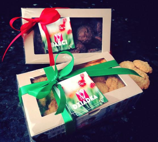 Cukiernia Blikle na Dzień Babci i Dziadka proponuje zestaw zdrowych ciasteczek przygotowywanych bez użycia oleju palmowego.