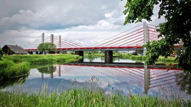 Charakterystyczny most nad Motławą w ciągu Południowej Obwodnicy Gdańska, której budowa kosztowała ok. 1,2 mld zł.