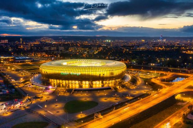 Stadion w Letnicy w pełnej krasie.