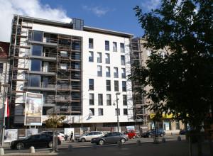 Kamienica Moderna uzupełniła pierzeję Placu Kaszubskiego. Trwają ostatnie prace wykończeniowe.