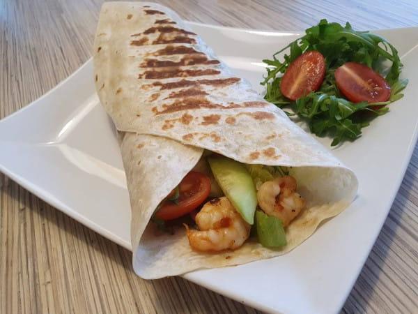 Fantazmat Pryncypałki to tortilla z krewetkami i warzywami. Spróbujemy jej w Burgermanii na Przymorzu.