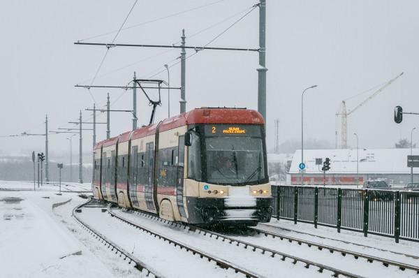 W odbudowie zaufania do transportu zbiorowego ma pomóc m.in. brak podwyżek, nowe linie tramwajowe i dodatkowa dezynfekcja w pojazdach.