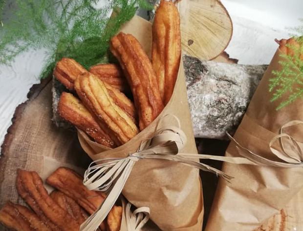 Karnawałowe  churrosy ma w swojej ofercie cukiernia Baccate.
