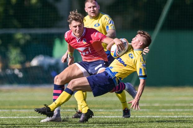 Według propozycji Rady Ekstraligi rozgrywki rugby mają być wznowione już 27 lutego. Tego dnia u siebie mają zagrać Ogniwo Sopot i Arka Gdynia. Lechia Gdańsk pierwszy mecz tego roku rozegrałaby tydzień później.