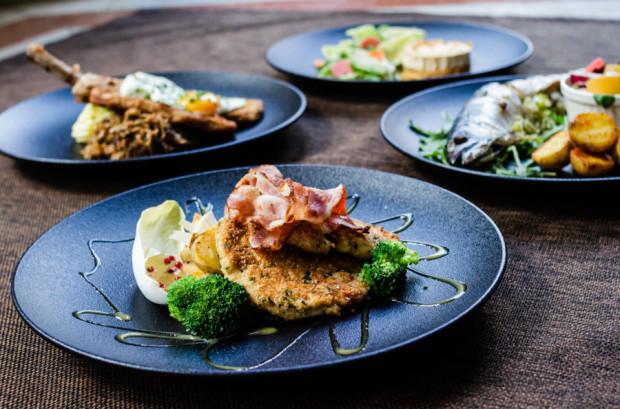 W menu Villi Eva znajdują się zestawy lunchowe oraz dania z karty restauracji.