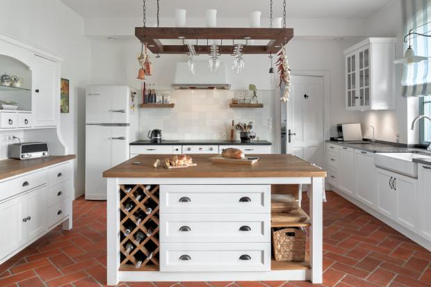 Wyspa kuchenna może przybierać różne kształty w zależności od stylistyki wnętrza.