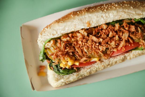 Wegański hot dog Classic od Hot Doggie w Gdyni.