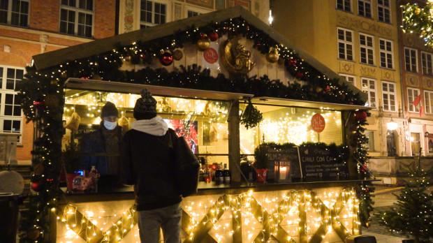 25 domków restauracyjnych można znaleźć na ulicach: Długiej, Tkackiej, Długim Targu, Targu Rybnym i Zielonym Moście.