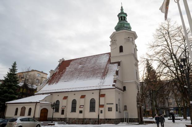 Jacek Wielebski krytykuje Kościół katolicki, ale jest projektantem wielu detali architektonicznych na kolegiacie w Gdyni.