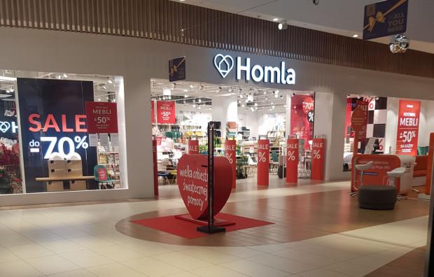 """""""Festiwal mebli"""" w sieci Homla, która dzięki temu, że sprzedaje taborety i fotele, może funkcjonować stacjonarnie."""