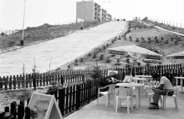 Sierpień 1994. Wówczas jeszcze czynny, dziś już nieistniejący stok narciarski na Morenie.