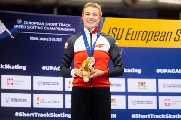 Natalia Maliszewska ze srebrnym medalem na 500 m. Na 1500 m zajęła 7. miejsce, a na 1000 odpadła z rywalizacji w ćwierćfinale po ukaraniu żółtą kartką.