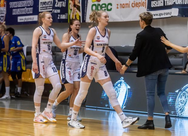 Koszykarki GTK Gdynia walczyły z zespołem Basket Bydgoszcz na równi przez 30 minut. Kwestia zwycięstwa została zaprzepaszczona w ostatniej kwarcie.