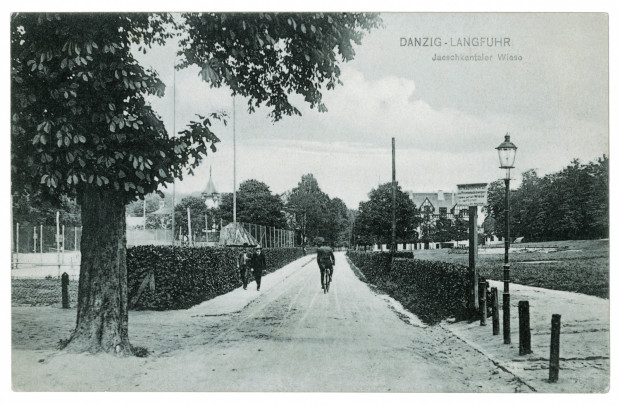 Rowerzysta na Jaśkowej Dolinie, około 1908 r.