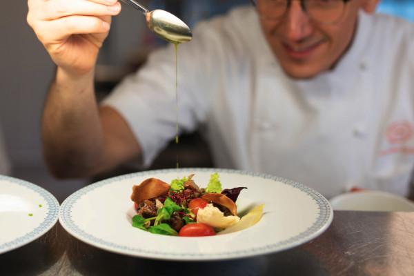 Restauracja Polskie Smaki przekazała na licytację pięciodaniową degustacyjną kolację dla dwóch osób.