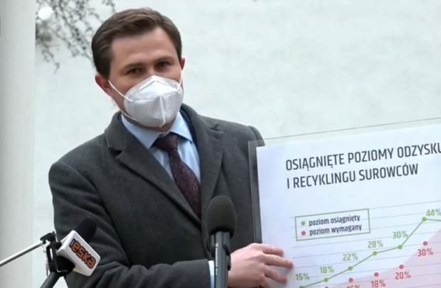 Wiceprezydent Piotr Grzelak poinformował, jak przez lata rósł w Gdańsku poziom odzysku odpadów.