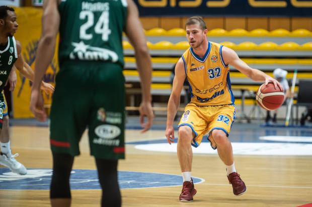 Karlo Vragović trafił do Asseco Arki Gdynia z 40-proc. skutecznością zza łuku w całej karierze. Na razie zdobył dwa punkty w dwóch meczach, ale Chorwat otwarcie mówi, że kibice przekonają się jeszcze o jego możliwościach.