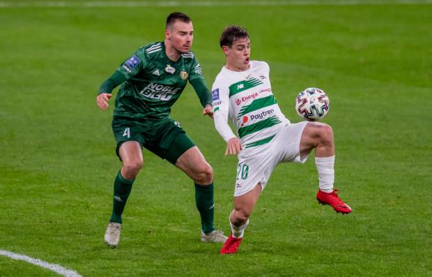 Conrado (z prawej) zapracował sobie w Lechii na dobre opinie, ale musi ustabilizować formę. Brazylijczyk liczy na to, że na wiosnę będzie zdobywał więcej bramek i asyst, a biało-zieloni skończą sezon w czołowej trójce.