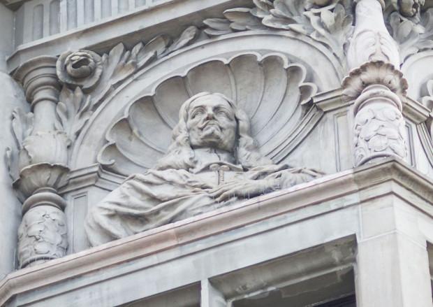 Popiersie Jana Heweliusza na fasadzie budynku Narodowego Banku Polskiego w Gdańsku.