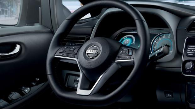 Wnętrze Nissana Leaf.