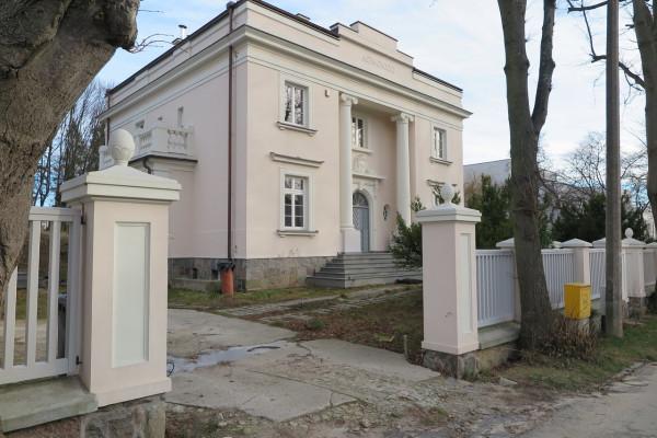 Przykładem mniejszych realizacji jest modernizacja Willi Sokoła.