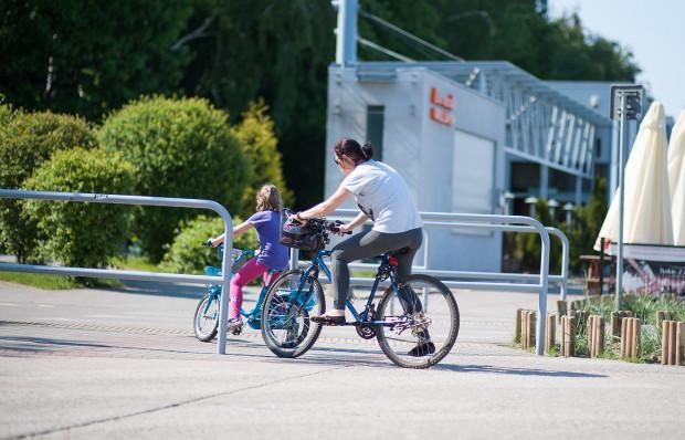 """Kampania """"Odprowadzam Sam"""" ma na celu aktywizowanie dzieci i zmiany nawyków transportowych w rodzinie."""