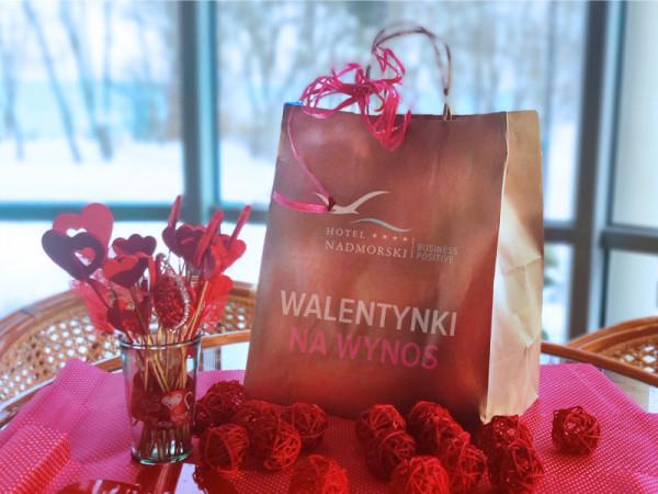 Romantyczne walentynki w domu pomoże zorganizować Hotel Nadmorski.
