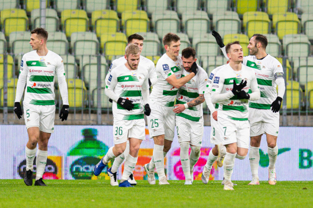 Lechia Gdańsk po objęciu prowadzenia w meczu z Wartą Poznań zamiast dążyć do kolejnych goli, cofnęła się i skończyło się remisem 1:1.