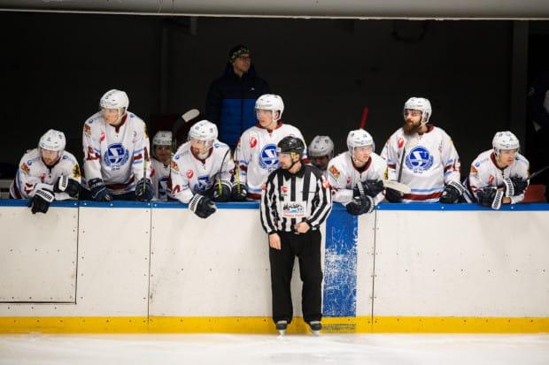 Hokeiści Stoczniowca przegrali z przedostatnią drużyną - Zagłębiem Sosnowiec 0:11.